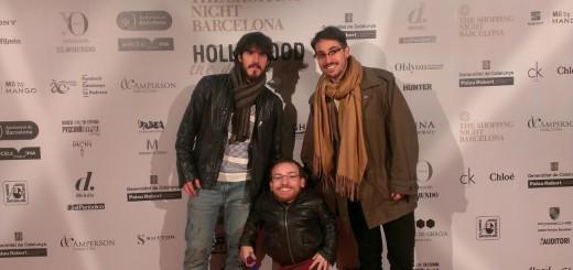 L'Enric i l'Oriol, directors de Glance Up, i jo al un photocall